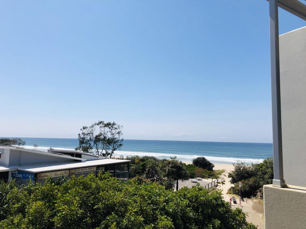 Absolute Beachfront - Cabarita Beach - Ocean Views - 3 Bed Apartment - Northern Rivers Accommodation